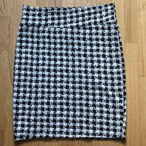 Houndstooth print Lularoe Cassie skirt size L